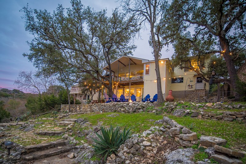 Book your Canyon Lake vacation today! - SkyRun proudly manages premier waterfront properties in Canyon Lake and the surrounding areas