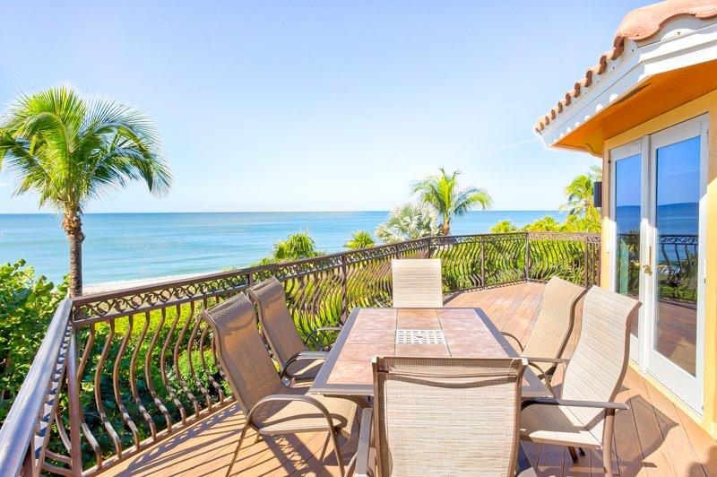 Aloha Baby- 5 Bedroom Luxury Pool Home !, holiday rental in Captiva Island