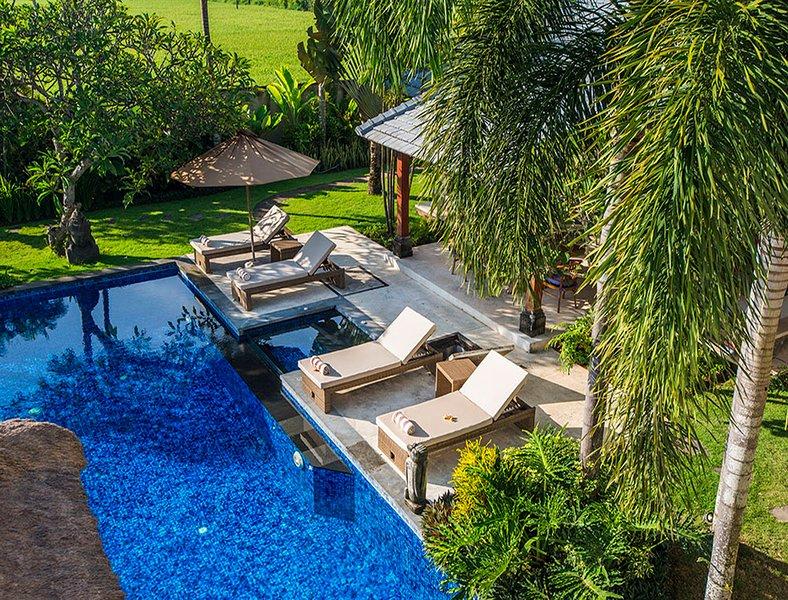 uitzicht op het zwembad vanaf de top
