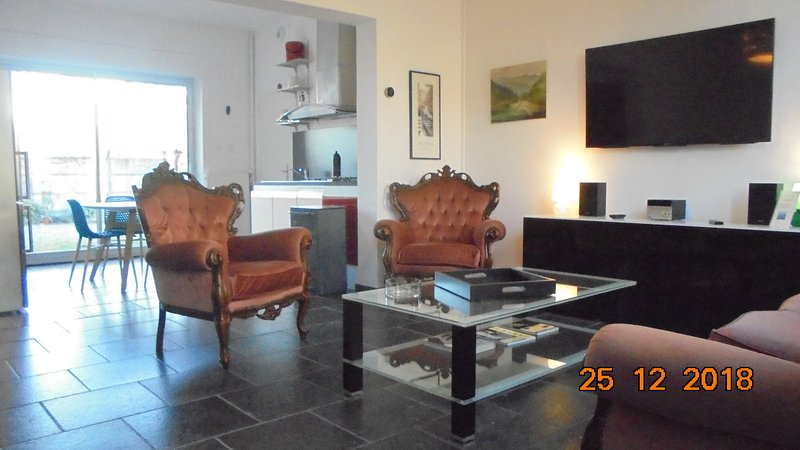 Nice house with garden & terrace, holiday rental in Vieux-Conde