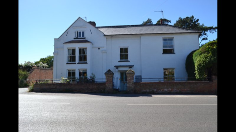 The White House, holiday rental in Banningham