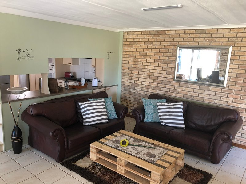 Hello JBay Self Catering Apartments, alquiler vacacional en Saint Francis Bay