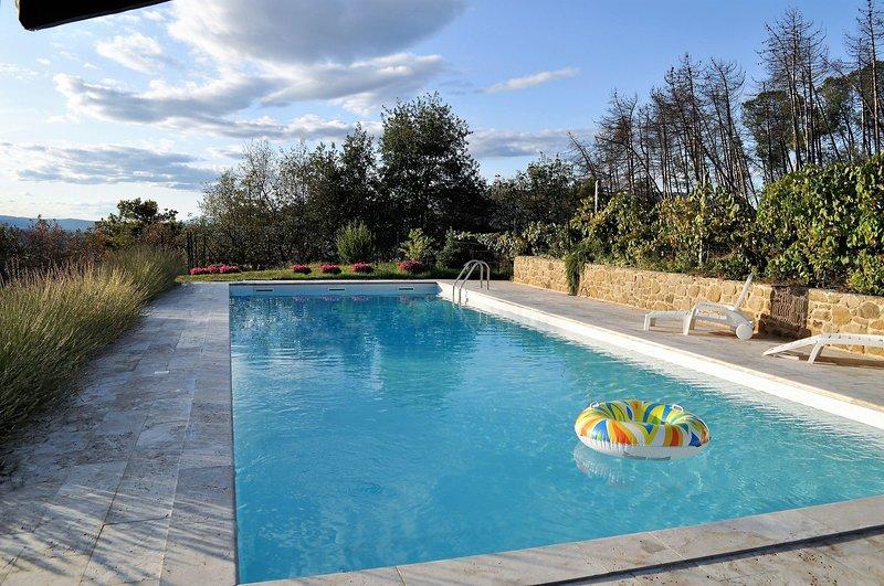 Villa Grazia Tuscany , - Tuscany, Family Villa with Private Pool , for 8 plus gu, vacation rental in Castroncello