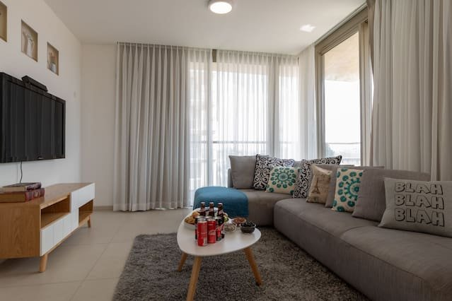 Enjoy Views of Jerusalem from Chic Flat, vacation rental in Jerusalem