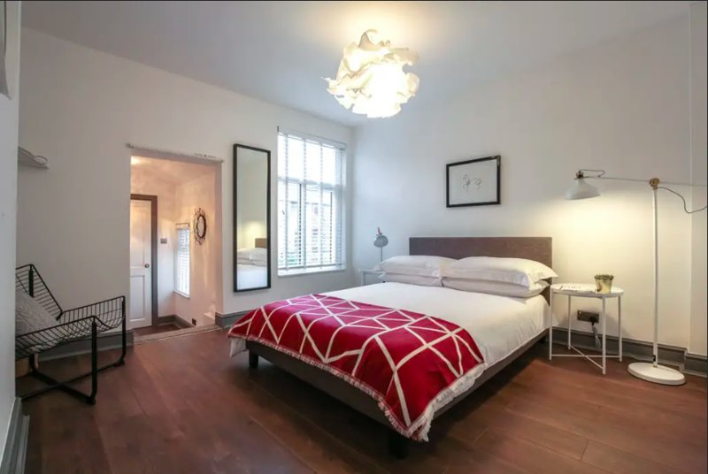 Bedroom 2: Double + Single with private en-suite shower room.