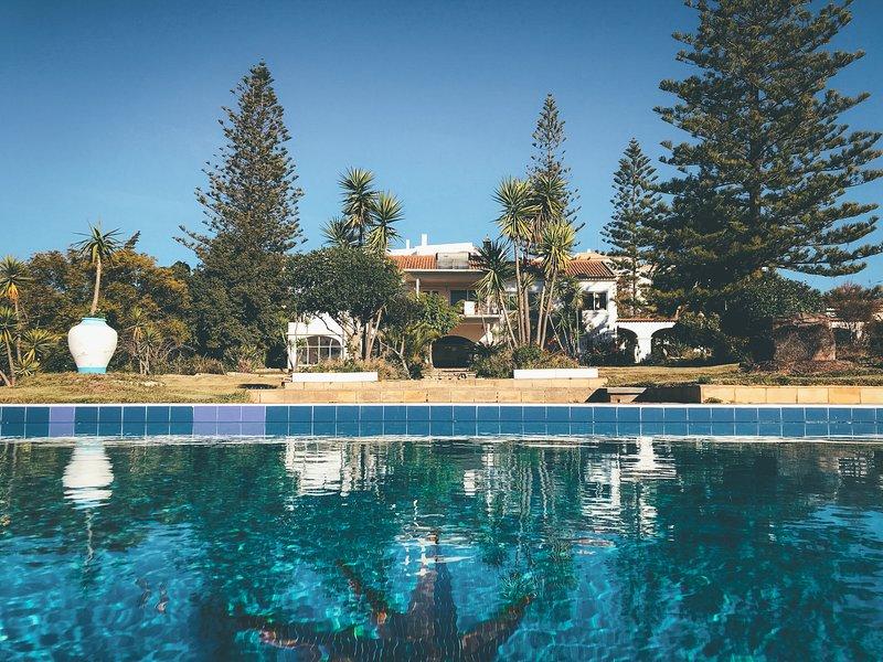 Villa y piscina