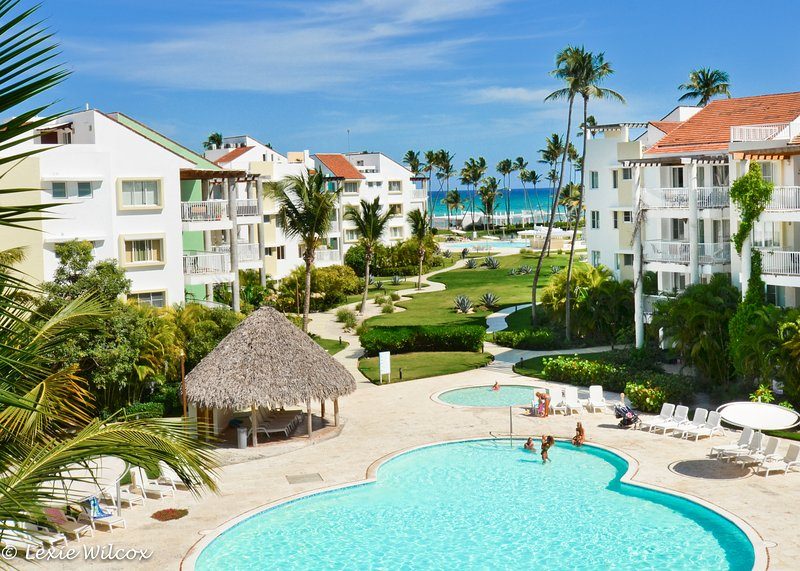 Playa Turquesa Designer 2BR Ocean View PH w/loft, vacation rental in Punta Cana