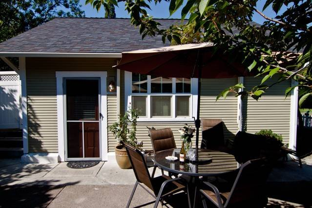 This freestanding cottage has two bedroom, a full kitchen, and a bathroom with and ADD shower for easy entry.