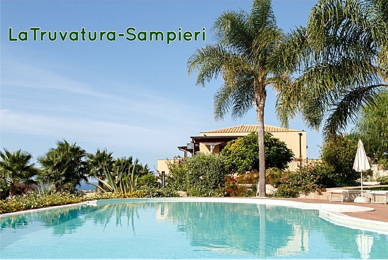 VERDE MARE FLAT IN VILLA SHARED-POOL, casa vacanza a Sampieri