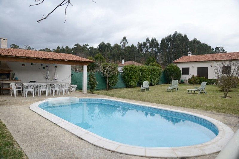 Big villa with swimming-pool & Wifi, holiday rental in Tui