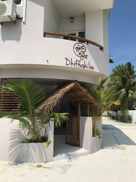 Front of Dhiffushi Inn.
