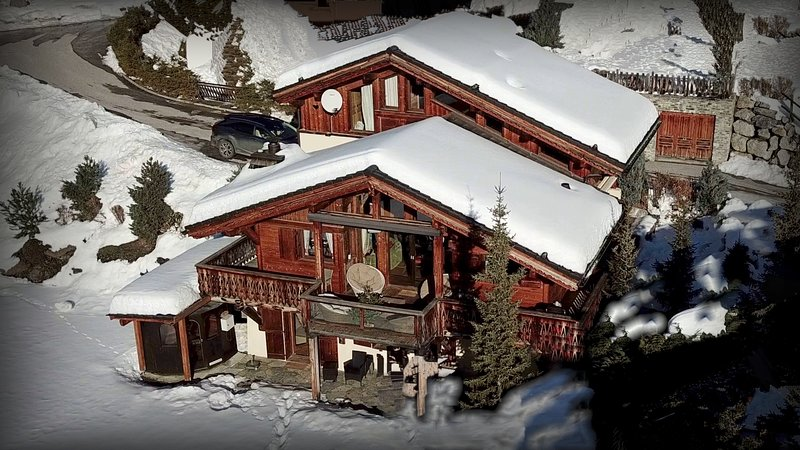 EL CONDOR, LUXURY CHALET IN SKI AND GOLF RESORT, casa vacanza a Crans-Montana
