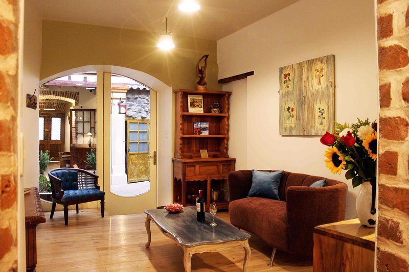 Bright vintage apartment - Historic Centre of Quito, holiday rental in Yasuni National Park