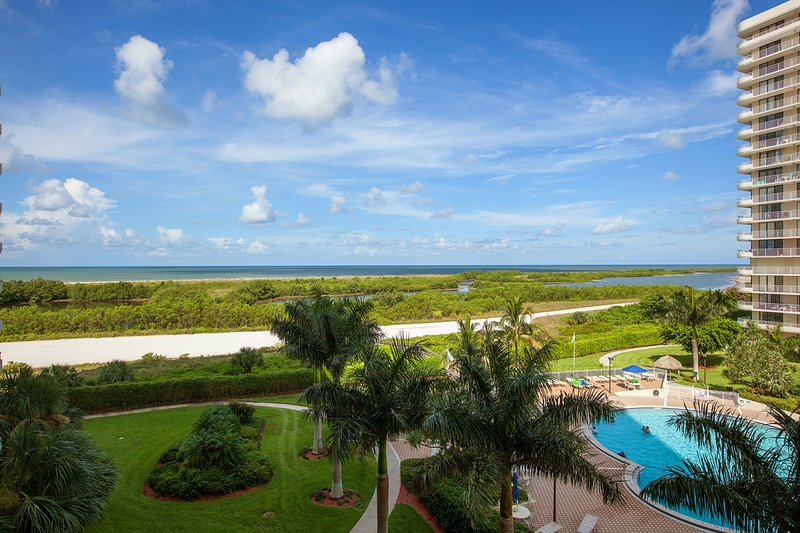 Florida Beachfront Condo (Southseas North West Towers 3 or 4) on Marco Island, vacation rental in Marco Island