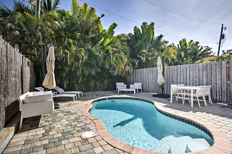 Lauderdale-By-The-Sea Home - Walk to Beach! – semesterbostad i Lauderdale by the Sea