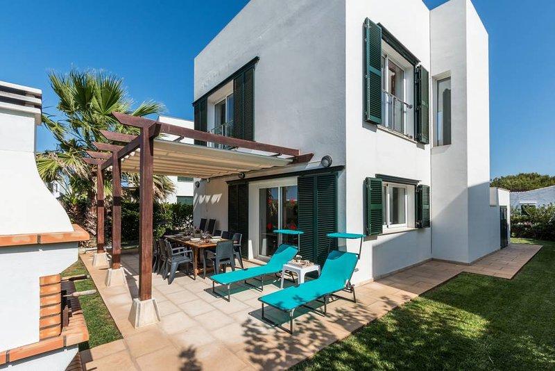 Hermosa Villa en Punta Grossa - Menorca, holiday rental in Cala d'Alcaufar