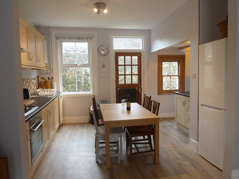 Spacious kitchen / diner (extending table)