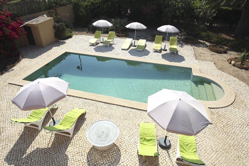 Villa's Pool vanaf het dakterras
