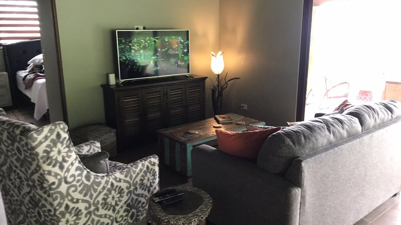 Casa De Las Mariposas-Ocean View's-Jungle Living, casa vacanza a San Buena