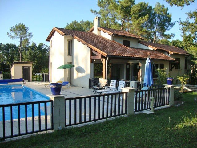 Villa Dordogne with private pool, holiday rental in Naussannes