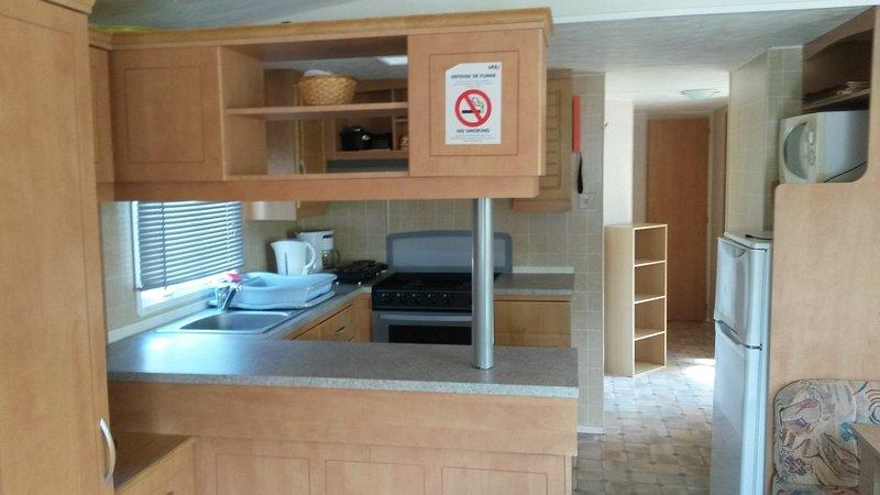 location mobilhome 3 chambres,terrasse semi- couverte,camping la pignade, vacation rental in La Tremblade
