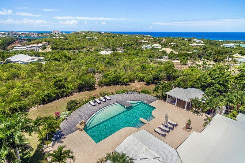 Sol Eluna, 3BR Vacation Villa, Lowlands, St Martin