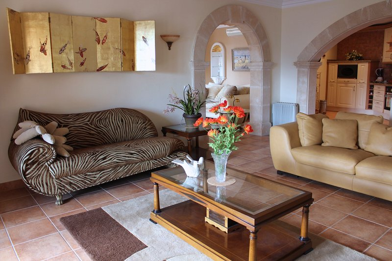 Classic Spanish villa in Puerto Andratx, South West Mallorca, holiday rental in Es Capdella