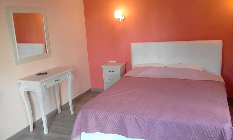 Koromilia Villa - Deluxe Apartment, vakantiewoning in Panormos