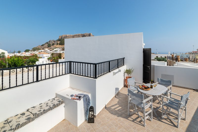 Lindos Olive 2 Bedroomed Suite with Private Roof Terrace, vacation rental in Lindos