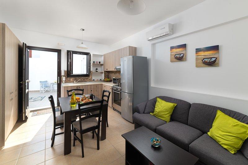 Lindos Olive 2 Bedroomed Suite, vacation rental in Lindos