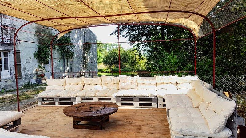Gîte Le Bûcher au Moulin du Champ avec piscine, vacation rental in Beurlay