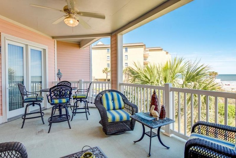 103 OPV - OCEAN VIEW VILLA - CENTRAL LOCATION - ELEVATOR, holiday rental in Folly Beach