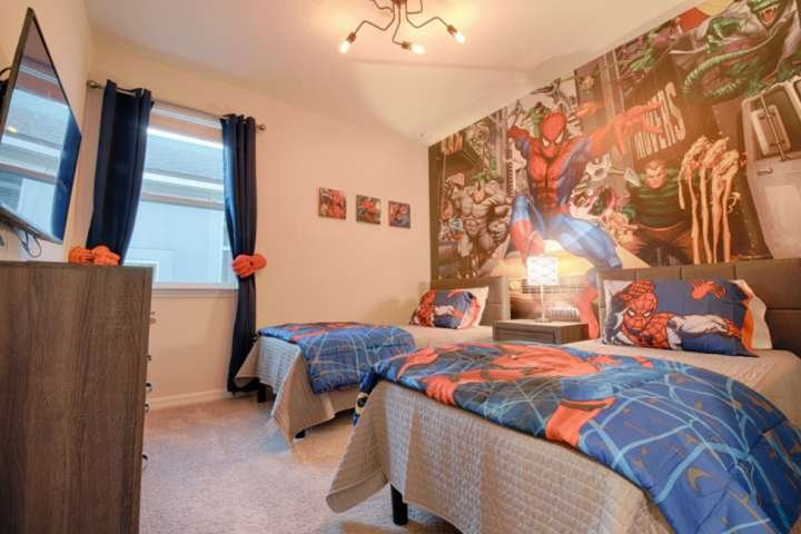 La 'Amazing' Spiderman Twin Room - Due letti singoli e TV a schermo piatto