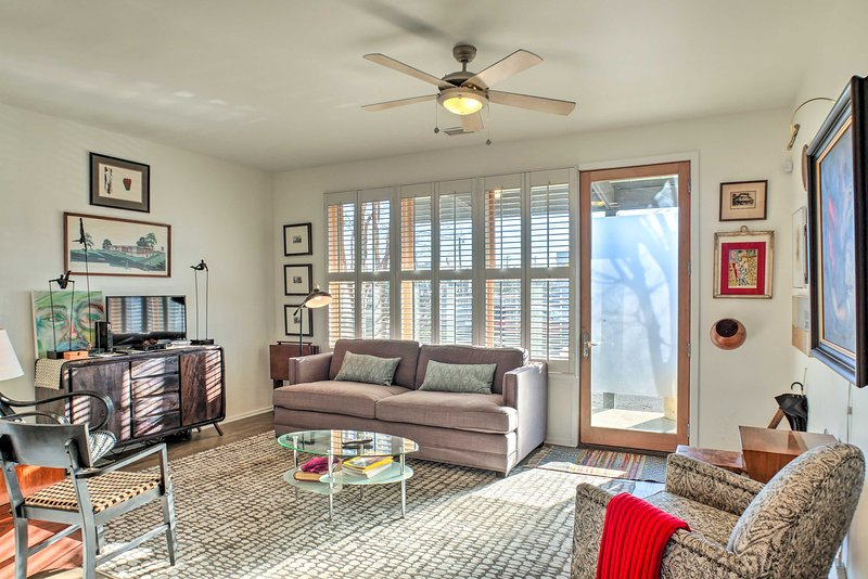 Unwind in this luxurious 2-bed, 2-bath vacation rental townhome in Chattanooga!