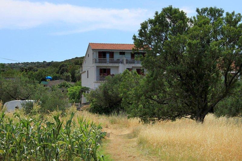 Three bedroom apartment Tkon, Pašman (A-8218-a), location de vacances à Tkon