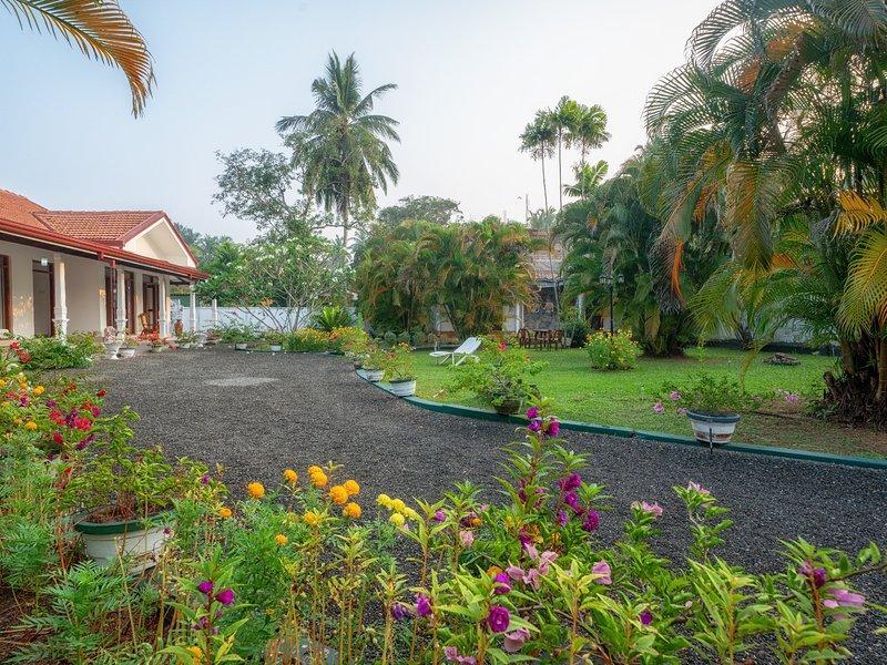 Villa Araliya, Ferienwohnung in Moragalla