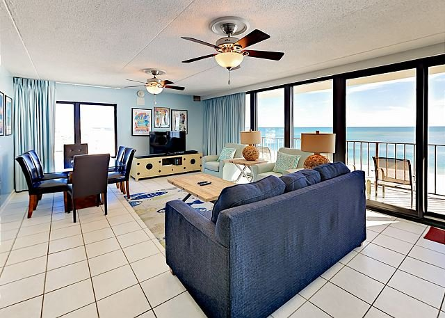 Gulf-Front Condo at Island Winds East w/ Stunning Beach View, alquiler de vacaciones en Gulf Shores