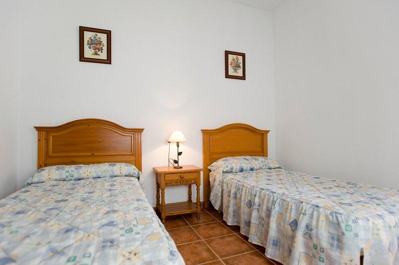 Alojamiento tranquilo Cortijo Andaluz El Pozuelo 5 (III)-Tarifa, vacation rental in Pelayo