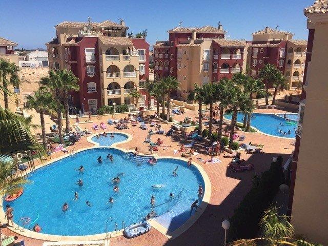 EM4 Luxury 3 bedroom 2bathroom apartment, aluguéis de temporada em Los Alcázares