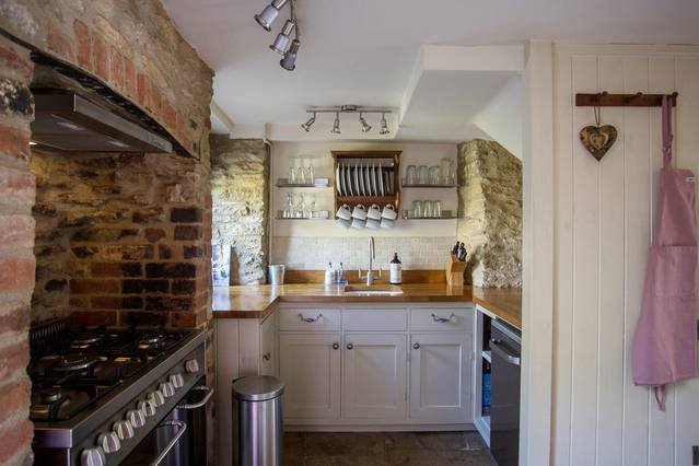 Wishbone Cottage In The Cotswolds, vacation rental in Fairford