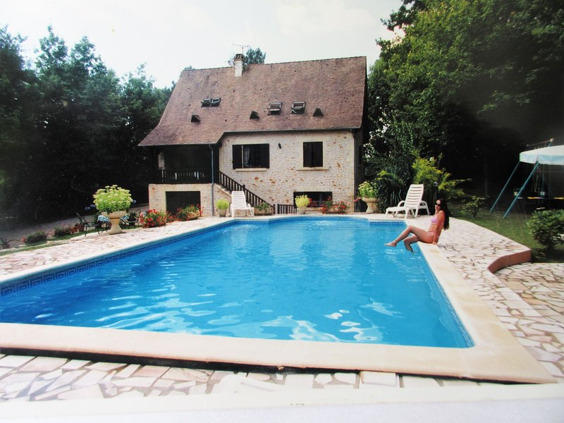 Lovely large Villa with Pool near PERIGUEUX, Dordogne, casa vacanza a Razac-sur-l'Isle
