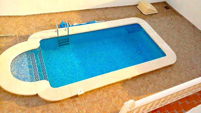 Costa Blanca South - XL 3 Bed Villa / Private Pool / Wi-Fi / Near Villamartin, alquiler vacacional en San Miguel de Salinas