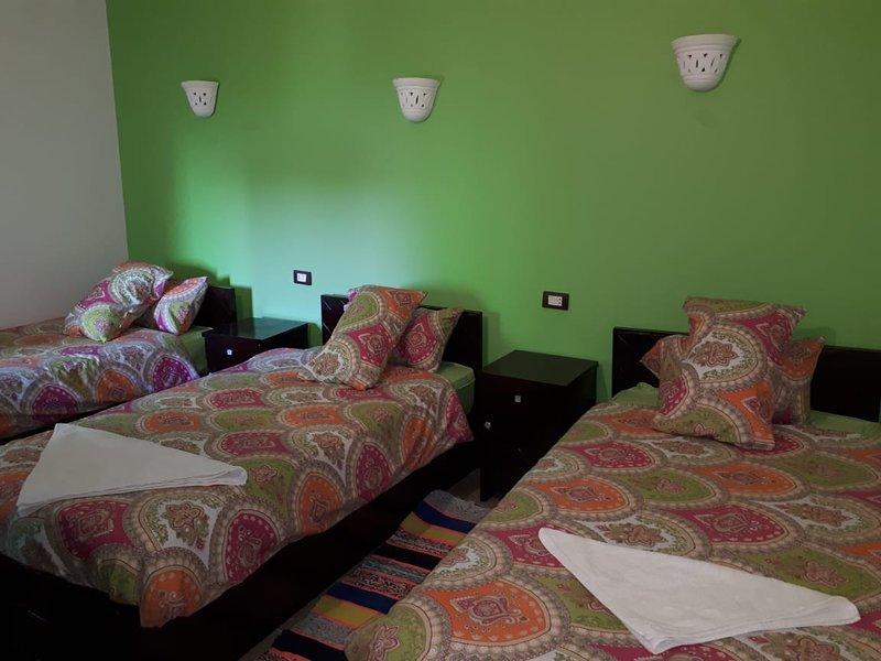 Anakato Kendaka Twin bed, location de vacances à Aswan Governorate