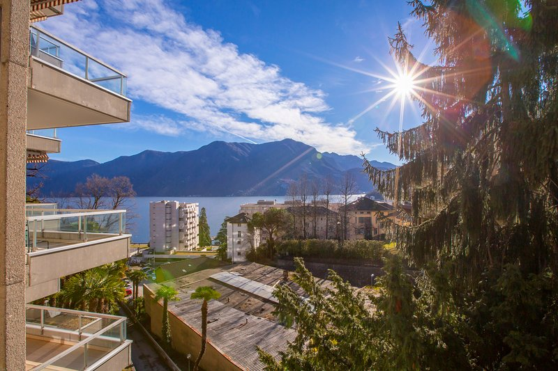 Majestic Lake View, vacation rental in Cademario