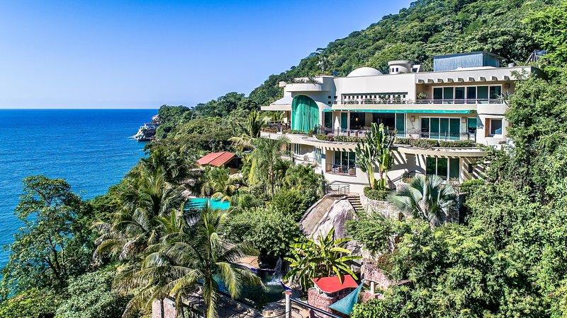 Luxury Beach Frontage Villa For Rent, alquiler de vacaciones en Cabo Corrientes