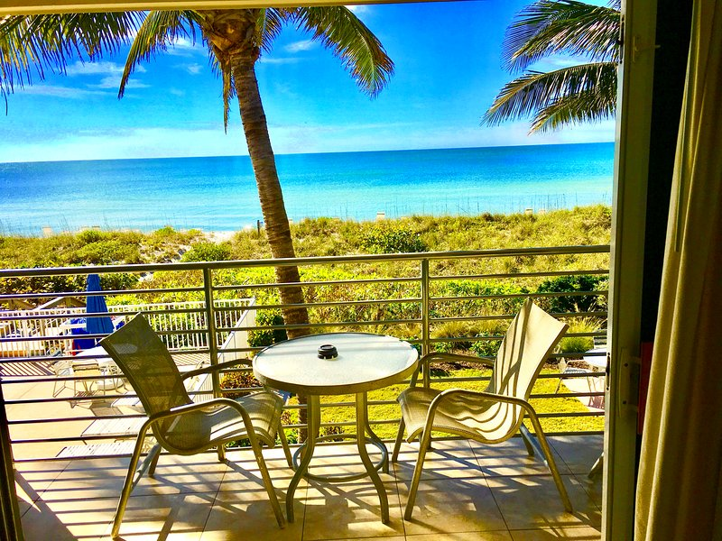 ~ BEACH FRONT APARTMENT ~, holiday rental in Longboat Key