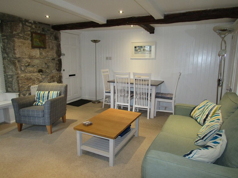 Charming modern cottage-style apartment, holiday rental in St Ives