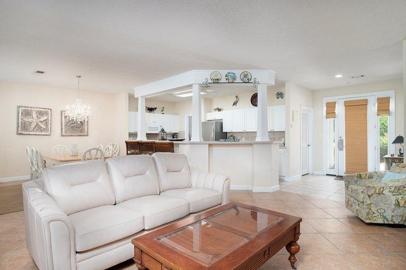 8572 Turnberry Ct | Miramar Pearl-Living Room