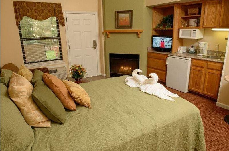 Gatlinburg Town Square  Master Bedroom