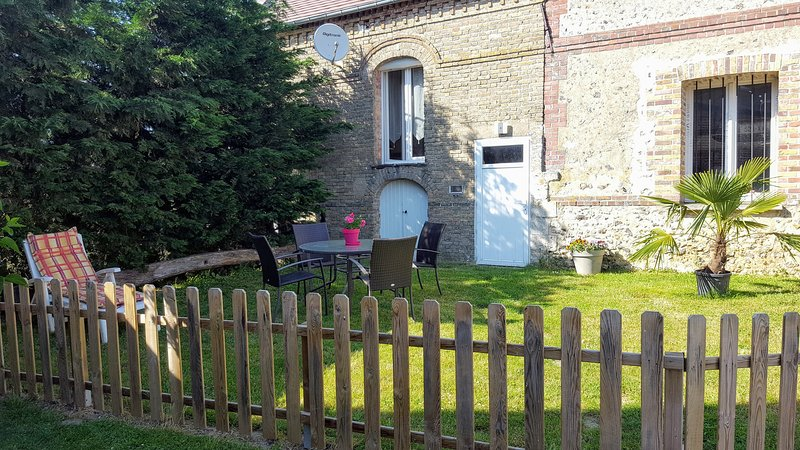 Beautiful house with garden & Wifi, vacation rental in Saint-Clair-sur-Epte